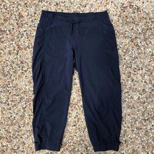 Athleta Navy Blue La Viva Capri Cropped Pants